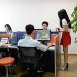 Patronii unei firme de programatori chinezi a angajat majorete pentru relaxare si inspiratie a IT-stilor