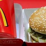 McDonald's testează servirea la masă