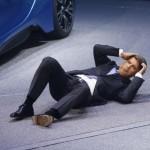 Viata unui executiv al BMW care s-a prăbuşit la salonul auto de la Frankfurt nu e chiar lapte si miere desi castiga enorm