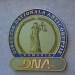 Patru persoane au fost reţinute de procurorii DNA Oradea. Pretindeau primarilor 15% din valoarea contractelor câştigate pe fonduri europene