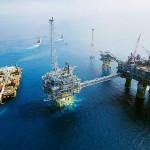 Petrolul ieftin pune presiune pe inflație