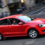 VW a suspendat vânzarea a 4000 de maşini în Marea Britanie
