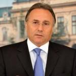 Si Gheorghe Nichita, primarul suspendat al Iaşiului, a fost retinut fiind acuzat că a primit de la UTI şi altă firmă 10% din valoarea unui contract cu primăria pe fonduri europene