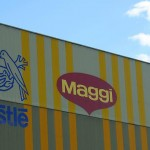 Scandalul tăiețeilor încetinește Nestlé
