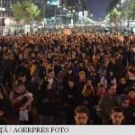 UPDATE Protestatarii – moment de reculegere, în genunchi, în fața Ministerului de Interne