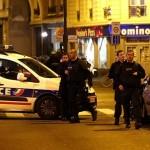 ATENTATE TERORISTE la Paris – LIVE UPDATE: Bilanţul victimelor a ajuns lATENTATE TERORISTE la Paris – Bilanţul victimelor a ajuns la 129 de morţi şi 352 de răniţi, dintre care 99 în stare gravă. Doi români, printre persoanele decedate. Şase complici ai unuia dintre autori, arestaţi preventiv în Franţa. Patru persoane, arestate în Bruxelles/ISIS a revendicat atacurile