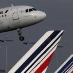 Atacurile de la Paris costă Air France-KLM 50 milioane de euro în venituri pierdute