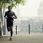 10 obiceiuri zilnice ale celor mai încrezători oameni-in loc să-ţi cumperi haine scumpe, poţi face exerciţii fizice, hainele îţi vor veni mai bine.