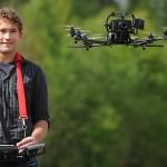Intel cumpără un producător german de drone lansand drona care se fereste de obstacole