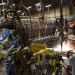 Creșterea producţiei din Marea Britanie a încetinit din nou, în decembrie