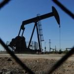 Prețul petrolului a ajuns la sub 33 de dolari barilul
