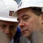 Scăderea prețurilor petrolului ar putea forța Rusia să-și revizuiască bugetul pentru 2016