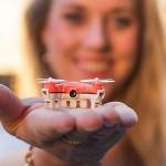 Cea mai mică dronă de fotografiat din lume