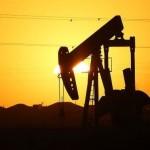 Preţul petrolului scade în ciuda acordului dintre Arabia Saudită şi Rusia
