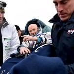 Astronautul-record nu mai vrea înapoi