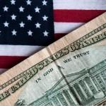 Dolarul la nivelul minim al ultimelor 18 luni