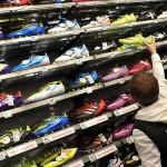 Adidas și Nike înfurie dealerii