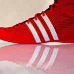 """Adidas va putea fi din nou """"Made in Germany"""" cu tehnologia viitorului, roboti de pantofi"""