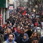 Incetinirea in sectorul de servicii, stagneaza economia Marii Britanii