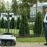 Roboți cu roți în livrarea de colete