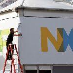 NXP vinde o divizie către chinezi