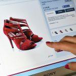 Comerțul cu pantofi pierde în fața giganților online