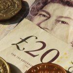 Lira sterlina scade după ce sondajele sugerează o  creștere a sprijinului pentru Brexit