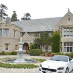 Conacul Playboy cumpărat de vecinul lui Hugh Hefner