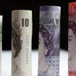 Lira sterlina a crescut puternic față de dolar