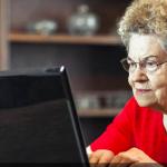 """Google a fost cucerit de politeţea """"search-ului"""" unei bunicuţe. Postarea nepotului a devenit viral"""