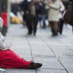 Tot mai mulți europeni sunt amenințați de sărăcie