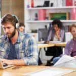 """Patru tipuri de """"zgomote"""" mentale pe care ar trebui sa le ignori. Invață să distingi informația de zgomot"""