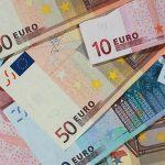 Grecii își duc banii înapoi la bănci
