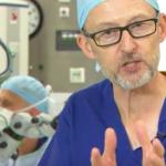 Aplicatie medicală in premiera mondiala: operație realizată cu un robot în interiorul ochiului, pentru redarea vederii