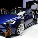 Tesla câștigă în ciuda tendințelor