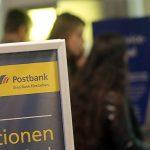 Clienții bancari au de a face cu filiale închise