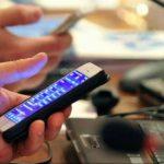 Angajații devin cu 26% mai productivi la locul de muncă dacă nu utilizează smartphone-urile (studiu)