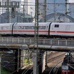 Deutsche Bahn vrea să elimine complet biletele din hârtie