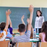 Spania: Mii de părinți au anunțat că nu le mai dau voie copiilor să își facă temele pentru acasă