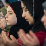 Musulmanii din UE, vizaţi din ce în ce mai mult de ostilităţi, fiind asociaţi cu teroriştii