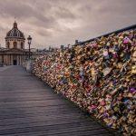Lacătele de pe Podul Artelor din Paris vor fi vândute la licitaţie