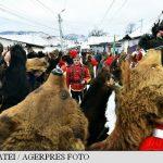 """Urșii din Lăloaia – tradiții străvechi românești care """"feresc de rău"""" (Fotoreportaj)"""