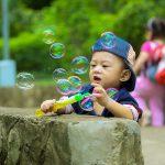 Cum să creşti un copil creativ: 5 sfaturi pentru părinţi