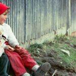România, locul doi în UE la populația în risc de sărăcie și excluziune socială; locul 1 la copiii aflați în această situație