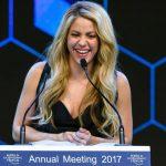 Shakira face apel la elita de la Davos să ajute copiii nevoiași să devină liderii de mâine