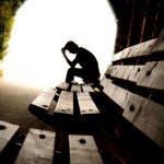 De ce ajung în piaţa muncii tineri din ce în ce mai slab pregătiţi: peste 70% dintre copiii de 14 ani se simt singuri şi nesprijiniţi la şcoală