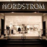 Donald Trump critică lanțul de magazine Nordstrom, luându-i apărarea fiicei sale și declanșând o nouă controversă