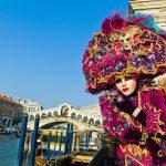 Carnavalul de la Veneția s-a deschis sâmbătă cu un fastuos spectacol acvatic-galerie foto