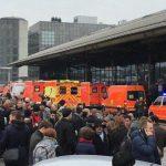 Aeroportul din Hamburg, închis temporar din cauza unei substanțe iritante