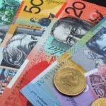 Băncile, obligate să prezinte un scadențar cu cea mai mare dobândă din ultimii 10 ani, când acordă un credit